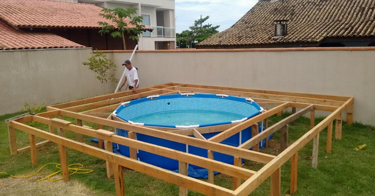 this man can t afford his own swimming pool but what he. Black Bedroom Furniture Sets. Home Design Ideas