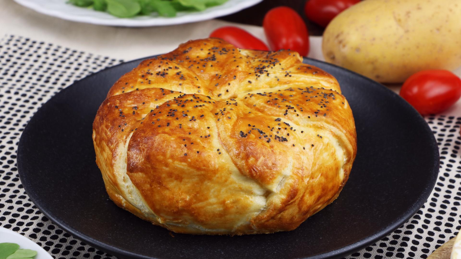 Булочки с ветчиной яйцом и сыром в духовке рецепт