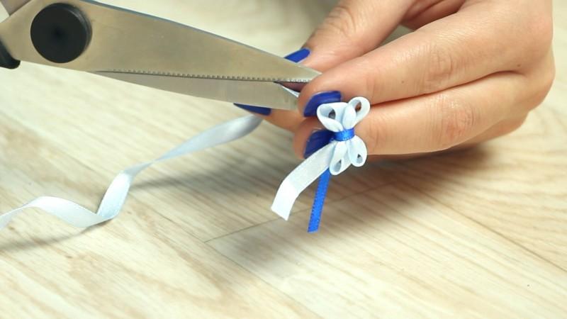 How To Make DIY Decorative Bows