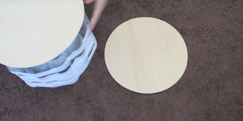 Peachy How To Make A Super Lightweight Stool Out Of Bottles Creativecarmelina Interior Chair Design Creativecarmelinacom