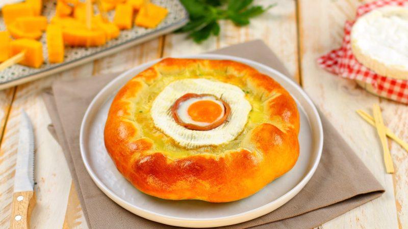 Camembert-Prosciutto Nest