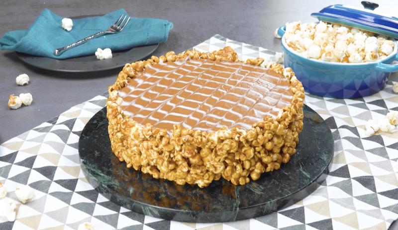 Chocolate Caramel Popcorn Pie