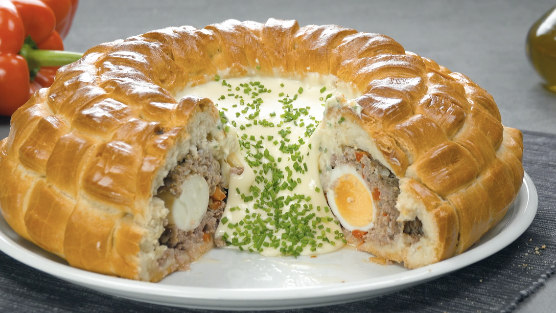 Meatloaf Pastry Ring