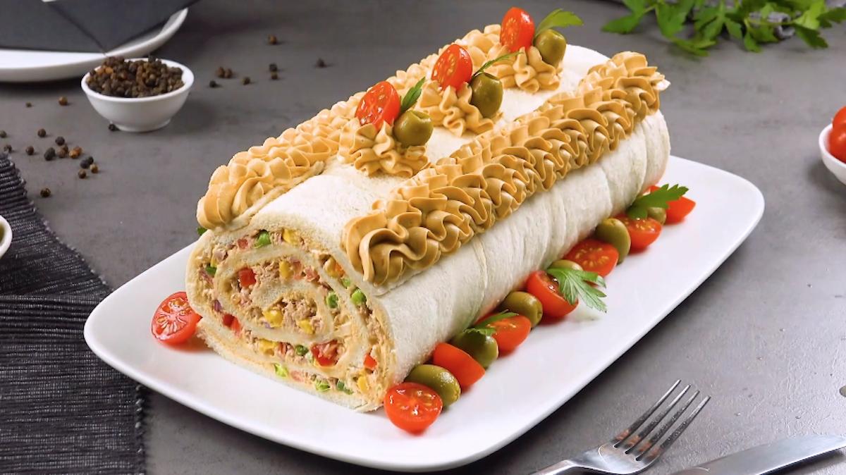 Tuna Salad Bread Roll