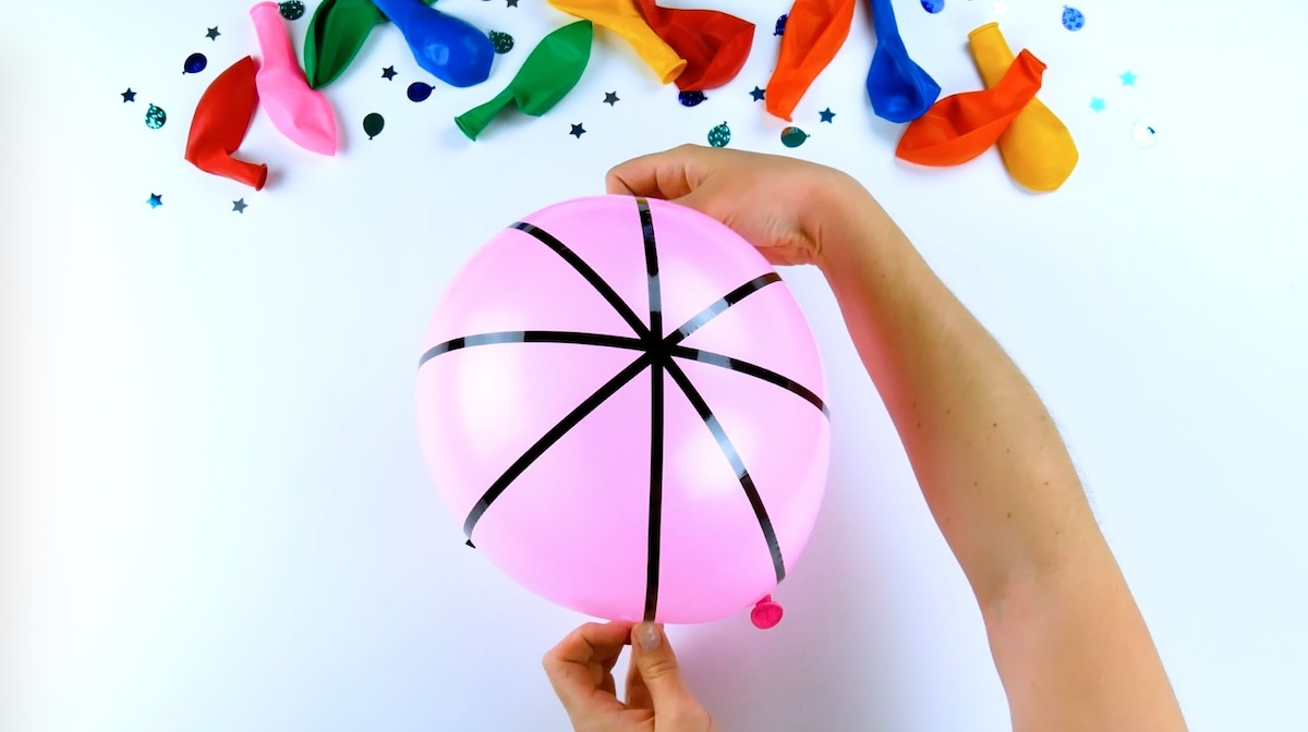 Decorating Party Balloons