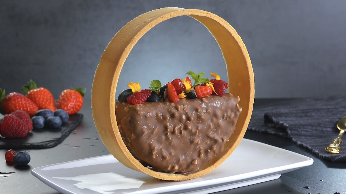 Chocolate Almond Cream Halo
