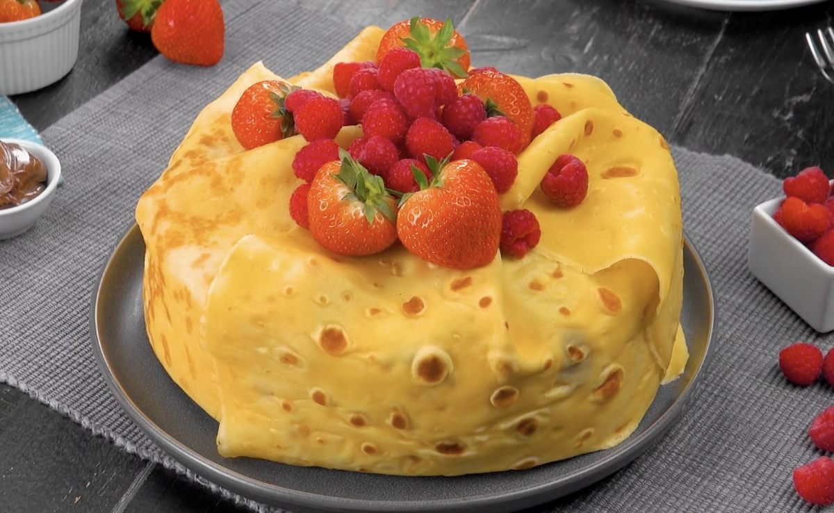 Berry-Stuffed Crêpe Cake