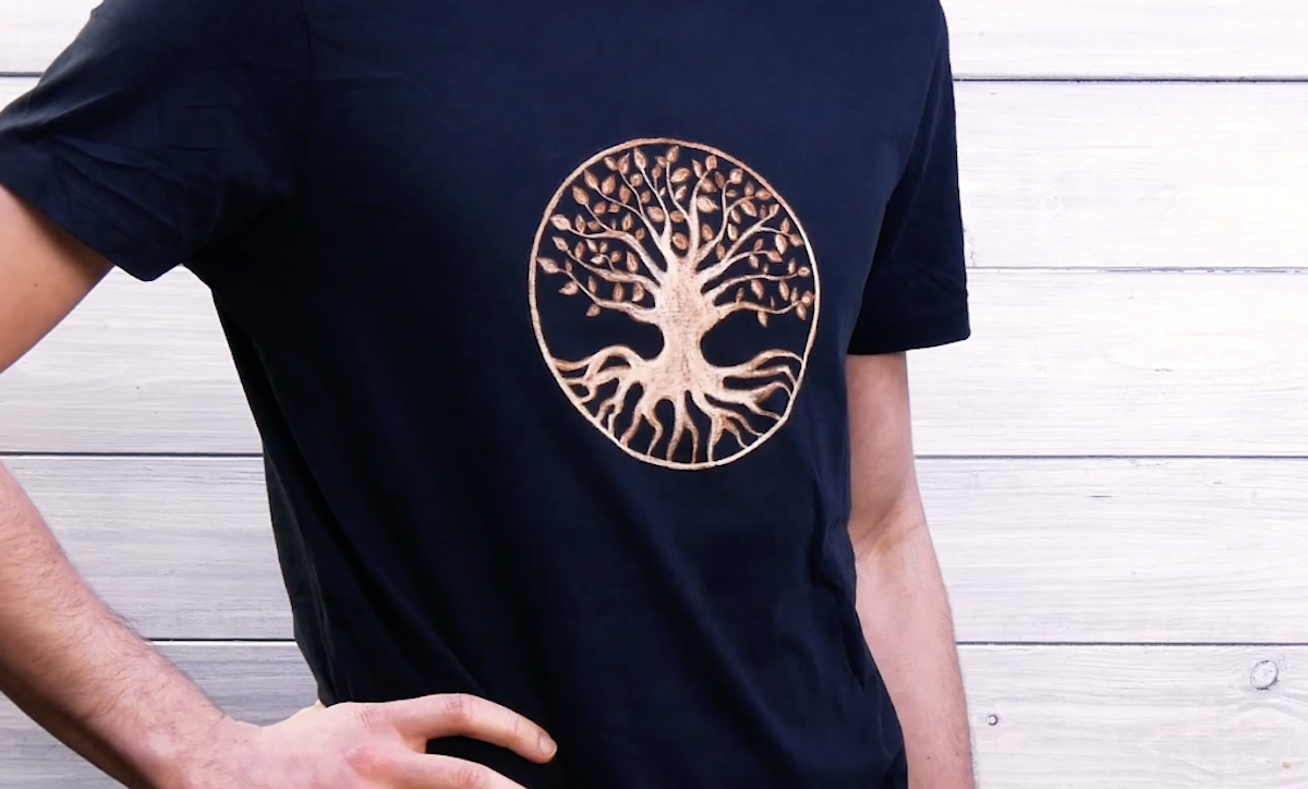 Homemade T-Shirt Designs With A DIY Bleach Pen