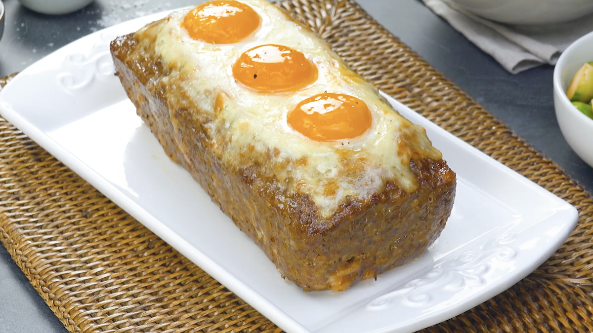 Meatloaf Stuffed With Ham, Cheese & Eggs