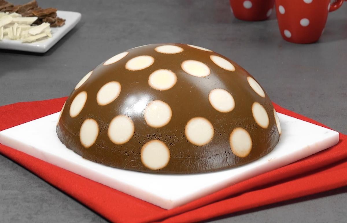 Dark & White Chocolate Polka Dot Pudding