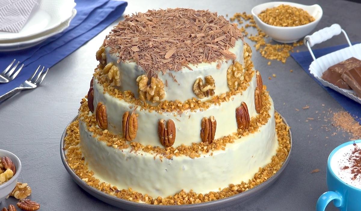 Fountain Cake With White Chocolate Cream